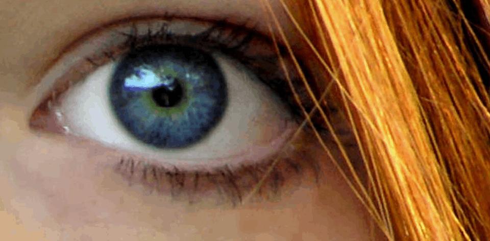 Zbliżenie na oko u kobiety