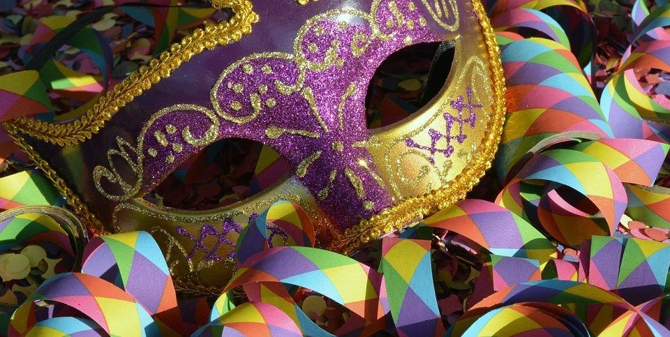 kolorowa maska karnawałowa