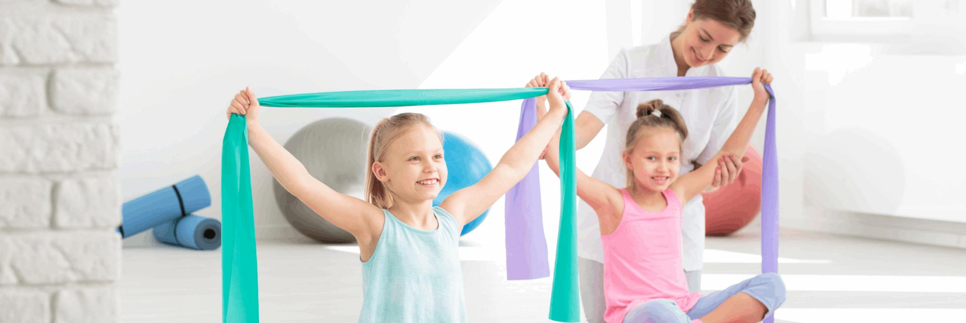 dzieci na gimnastyce korekcyjnej